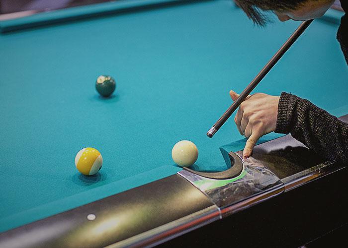 home_billiard_img1