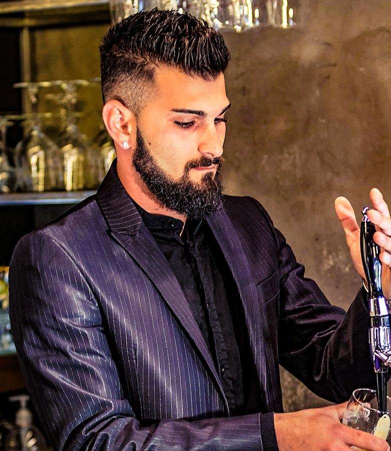 barman-bartender-3
